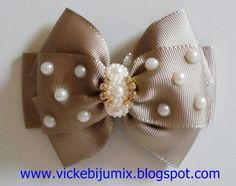 Great bow for dressy occasions Diy Hair Bows, Ribbon Hair Bows, Diy Bow, Ribbon Art, Diy Ribbon, Ribbon Crafts, Baby Girl Hair Accessories, Hair Bow Tutorial, Hair Barrettes