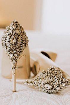 7fc1a1353cb Νυφικά παπούτσια.Τα παπούτσια για γάμο δεν παίρνουν πάντα την προσοχή που  τους αξίζει,