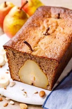 pear and banana bread (yum!) - Paleo Grubs pear and banana bread (yum! Pear Bread, Paleo Banana Bread, Banana Bread Recipes, Pear Recipes, Almond Recipes, Whole Food Recipes, Paleo Recipes, Cooking Recipes, Tortilla Sana