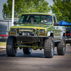 Pin By Zachary Shelton On Jeeps Jeep Truck Jeep Jeep Garage Jeep Garage, Dream Car Garage, Jeep Xj, Jeep Truck, Comanche Jeep, Lowered Trucks, Lifted Trucks, Green Jeep, International Scout