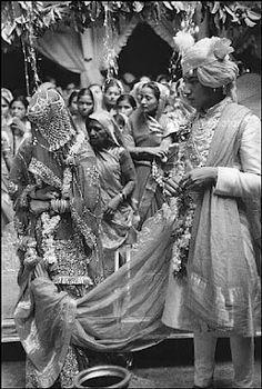 Princess Prem Kumari, the eldest daughter of Maharaja Sawai Man Singh of Jaipur married Yuvraj Jaideep Singhji of Devgadh Baria in 1946. This was the first wedding of Maharaja of Jaipur's daughter in almost 100 years.