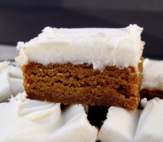 If you are looking for a SimpleHolidayRecipeOfWonder, I would like you to meet these Chewy Gingerbread Bars. They taste just like a gingerbread cookie.but thicker and chewier and just so darn de. Köstliche Desserts, Delicious Desserts, Dessert Recipes, Yummy Food, Best Christmas Desserts, Christmas Treats, Holiday Baking, Christmas Baking, Italian Christmas