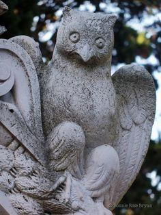 Cemitério dos Prazeres (Cemetery of Pleasures) - Lisboa / Lisbon, Portugal . photo by Bonnie Rose Bryan #mausoleum #tomb #statue #owl