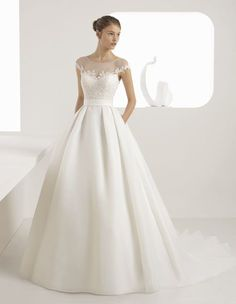 Browse beautiful Rosa Clara wedding dresses and find the perfect gown to suit your bridal style. View the latest designs for this season. Lace Top Wedding Gowns, Wedding Dress With Pockets, Classic Wedding Dress, Dream Wedding Dresses, Bridal Dresses, One Shoulder Wedding Dress, Bridal Fashion Week, Bridal Collection, Bridal Style