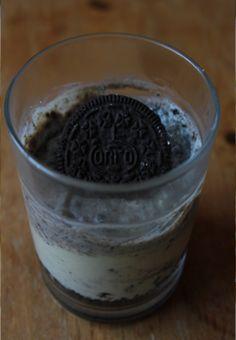 Auch bei Savanna gab es diesen Vegan Wednesday Oreos - on top auf einem Cheesecake-Glas (Rezept ist auch auf ihrem Blog)