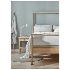 IKEA GJÖRA bed frame Adjustable bed sides allow you to use mattresses of different thicknesses. Cama Ikea, Ikea Malm Bed, Ikea Bed Frames, Malm Bed Frame, High Bed Frame, King Size Bed Frame, Ikea Small Bedroom, Small Bedrooms, Diy Bed