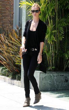 la modella mafia Model Off Duty Rosie Huntington Whiteley street style 4