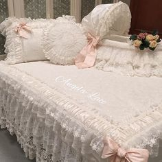 Maternity room set, bedcover, pillows, cushions and matching Mosesbasket. #angela_lace #pillows #cushions #lace #mosesbasket