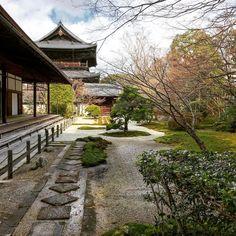 Tenju-an #kyoto #kyototouristinfo #kyototourguide #japantrip #japantravel #travel #japan #japanesegarden #discoverkyoto #discoverjapan #nanzenji #tenjuan  #buddhism #zen #art #culture #日本庭園 #庭 #石 #苔 #南禅寺