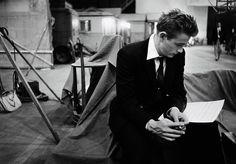 1955. James Dean at the shooting of the film Rebel Without a Cause. / 1955. James Dean en la filmación de Rebelde sin Causa.