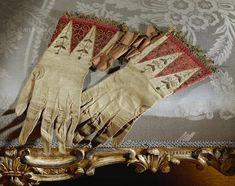 queen elizabeth I embroidery | details gloves that belonged to queen elizabeth i 1533 1603 location ...