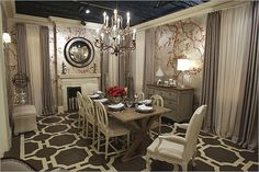 French Interior Design Ideas, Style And Decoration Classic Dining Room, Elegant Dining Room, Dining Room Design, Antique Dining Rooms, Dining Room Furniture, Dining Chairs, Dining Table, French Interior Design, Luxury Interior