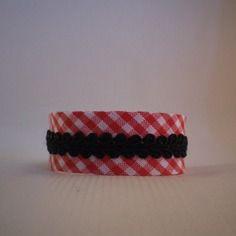 Bracelet en tissu biais vichy rouge et galon noir - idée cadeau - filles…