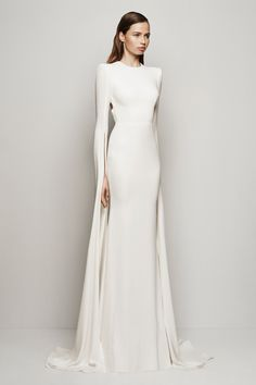 Get inspired and discover Alex Perry trunkshow! Shop the latest Alex Perry collection at Moda Operandi. Alex Perry, Bridal Gowns, Wedding Gowns, Prom Gowns, Beautiful Gowns, Dream Dress, Pretty Dresses, Dress To Impress, Ideias Fashion