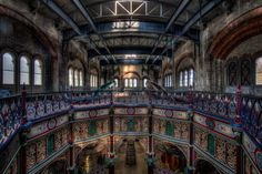 Photo : Steampunk Tendencies - Peter Scrimshawhttp://steampunktendencies.tumblr.com/post/48461257859/steampunk-tendencies-victorian-architecture-hdr