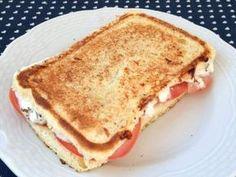 Pão sem Farinha Low Carb FIT vai fazer você comer bem, mas sem prejudicar sua saúde.