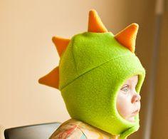 Cappello in pile dinosauro verde e giallo con chiusura a di mrsPTB