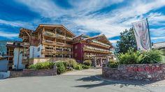 Hotel Kitzhof, Kitzbuehel Austria is a 5 Star Luxury Hotel just minutes from the center of bustling Kitzbuehel. Golf Kombi, Zell Am See, Top Ski, Beste Hotels, Most Luxurious Hotels, Best Skis, Ski Vacation, Ski Chalet, Austria