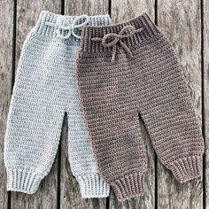 Crochet Como Fazer Roupas de Bebê de Crochê: Passo a Passos 46 Fotos Baby Knitting Patterns, Crochet Patterns, Baby Patterns, Free Crochet, Knit Crochet, Crochet Baby Pants, Knitted Baby Clothes, Baby Kicking, Baby Outfits
