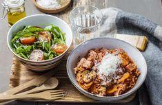 Tomatisert risotto med pølser og grønn salat