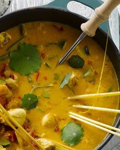 Thai Recipes, Easy Chicken Recipes, Indian Food Recipes, Asian Recipes, Healthy Recipes, Curry Pasta, Tapas, Low Carb Brasil, Happy Foods