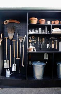 A New Use for Chalkboard Paint: Toolshed Makeover, Garden Edition Michelle created her tiny, garden shed by co-opting space from her garage behind her Mill Valley, California, home. (See Steal This Look: My Mini Garden Shed in a Garage for mor Garden Tool Storage, Shed Storage, Pegboard Storage, Storage Ideas, Diy Storage, Garden Tool Shed, Garden Shed Layout Ideas, Shed Shelving, Allotment Shed
