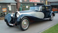 Bugatti Royale is one of the most luxurious and exclusive cars ever. Bugatti Royale, Retro Cars, Vintage Cars, Antique Cars, Automobile, Bugatti Cars, Pagani Huayra, Exotic Sports Cars, Bugatti Chiron