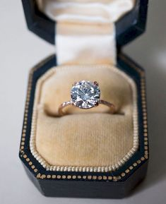Awesome 83 Simple Engagement Rings You'll Want To Wear Forever https://bitecloth.com/2017/06/23/83-simple-engagement-rings-youll-want-wear-forever/ #weddingring
