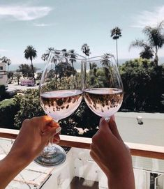 wine aesthetic,wine décor,wine night,wine sayings,wine quotes Friends Instagram, Instagram Ideas, Insta Ideas, Happy Week End, Happy Hour, West Coast California, California Travel Guide, Wine Photography, Online Clothing Boutiques