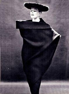 LANVIN CASTILLO JARDIN DES MODES SEPTEMBER 1955