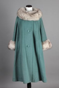 L/XL 50s-60s Vintage Lilli Ann Teal Wool Winter Coat w/ Real Fur Cuffs & Collar. A beautiful vintage winter coat! $250 via eBay