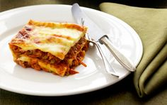 A tasty twist on an old favourite, Curried vegetable and lentil lasagne is packed full of legumes and vegetables. This high fibre winter warmer is a dish you don't have to feel guilty about. Diabetic Recipes, Veggie Recipes, Indian Food Recipes, Cooking Recipes, Veggie Meals, Noodle Recipes, Healthy Recipes, Vegetarian Lasagne, Veggie Lasagna