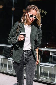 Skinny Jeans For Teens Casual fall street style - jade suede jacket. Skinny Jeans For Teens Casual fall street style - jade suede jacket Mode Outfits, Fall Outfits, Casual Outfits, Fashion Outfits, Looks Style, Street Style Looks, Casual Looks, Fashion Week, Love Fashion