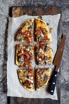Try Angela Casley's blue cheese and onion pizza recipe. I always have a few pizza bases on hand for emergencies and along with blue cheese, a pesto. Onion Pizza Recipe, Pizza Recipes, Vegetarian Recipes, My Favorite Food, Favorite Recipes, Blue Cheese Recipes, Food Styling, Vegetable Pizza, Food And Drink