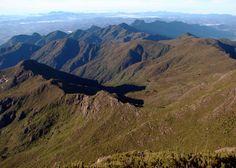 Parna Caparaó_Montanhas do Parque Nacional do Caparaó - Divisa entre Minas Gerais e Espírito Santo - BR