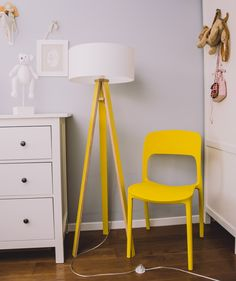 Small Swivel Chairs For Living Room Cheap Dining Room Chairs, Small Living Room Chairs, Bar Chairs, Living Room Bedroom, Living Room Furniture, Modern Furniture, Living Room Decor, Ikea Chairs, Eames Chairs