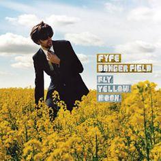 She Needs Me par Fyfe Dangerfield identifié à l'aide de Shazam, écoutez: http://www.shazam.com/discover/track/51179531