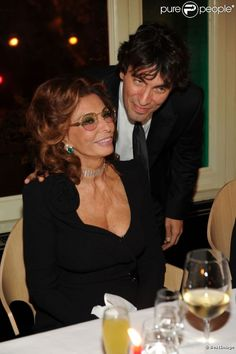 Sophia Loren et son fils Carlo Ponti Jr. le 12 décembre 2011 à Rome