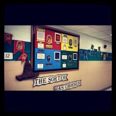 Reading Harry Potter just finished the hallway bulletin boArd for the sorting ceremony Harry Potter Classes, Harry Potter Classroom, Harry Potter Decor, Harry Potter Style, Classroom Decor Themes, Classroom Projects, Preschool Classroom, Future Classroom, Classroom Ideas
