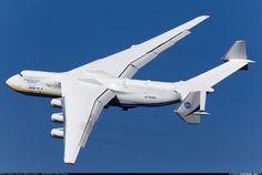 """AH-225 """"Мрія"""" - найбільший у світі вантажний літак. MRIYA (""""Dream"""") AN-225 - the world's largest cargo plane"""