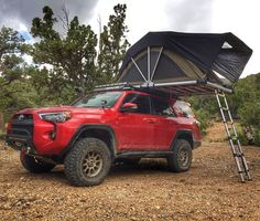 Tacoma with a Roof tent 4runner 2015, Toyota 4runner Trd, Toyota Trd Pro, Toyota Trucks, 4runner Accessories, Car Tent, Pajero Sport, 4x4, Car Camper