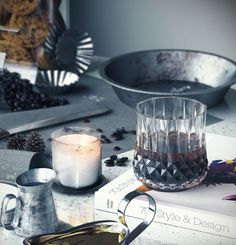 VrayWorld - Teal Table