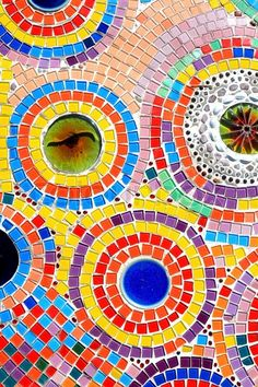 M s de 1000 ideas sobre jard n en mosaico en pinterest for Azulejos rotos decoracion
