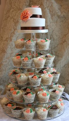 two tier wedding cakes  with cup cakes  | Wedding Cupcakes with 2 tier Top Cake | Wedding Cake Ideas