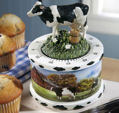 Country Cow Deacutecor Kitchen Timer This lovely, detailed design is a perfect accent to your cow motif. And, since you'll want to keep it in view, your cooking timer's always handy. Grape Kitchen Decor, Yellow Kitchen Decor, Kitchen Country, Kitchen Decorations, Decorating Kitchen, Cow Ornaments, Cow Decor, Kitchen Timers, Buy Kitchen