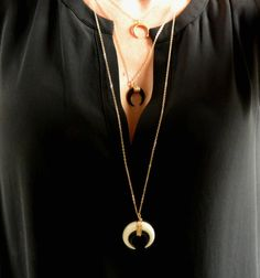 Vente Double collier en corne lune collier noir blanc ou