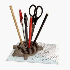 rogeriodemetrio.com: Hedgehog Desk Tidy