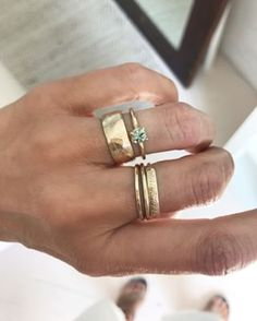 this new mint sapphire ring + cigar band = the perfect combo. really anything paired with this cigar band is 👌🏼⠀⠀⠀⠀⠀⠀⠀⠀⠀ ⠀⠀⠀⠀⠀⠀⠀⠀⠀ ⠀⠀⠀⠀⠀⠀⠀⠀⠀ ⠀⠀⠀⠀⠀⠀⠀⠀⠀ Rose Gold Morganite Ring, Gold Diamond Rings, Diamond Wedding Rings, Engagement Ring Guide, Engagement Ring Styles, Beautiful Engagement Rings, Victorian Engagement Rings, Cigar Band, Jewelry Sites