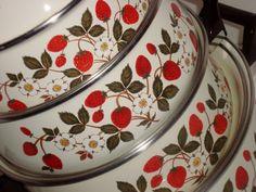 Vintage SHEFFIELD Strawberries n Cream pots by SusieSoHoCollection, $45.00
