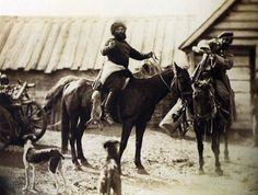 Донские фотографии Ивана Болдырева. Казаки, возвращающиеся с охоты.